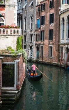 Odd - Gondola on canal